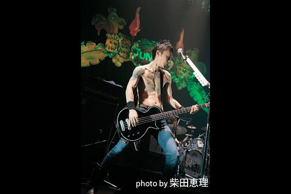 ザ・クロマニヨンズ・ツアー JUNGLE 9 02