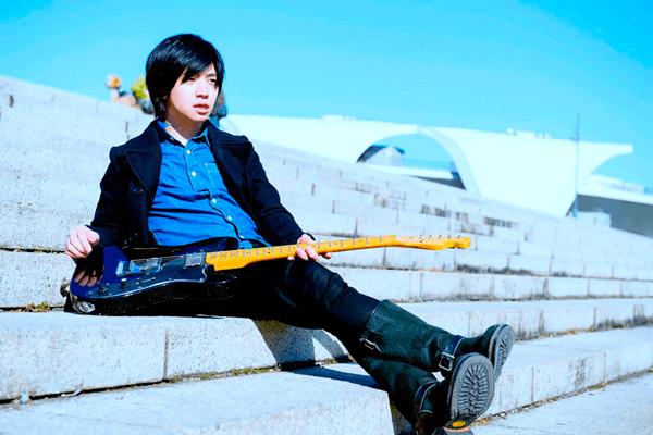 村瀬みなとのソロプロジェクト、ハイエナカーが動画インタビューで登場!