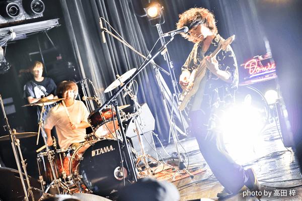 ドミコ「ベッドルーム・シェイク・ツアー 」ファイナル公演をリポート