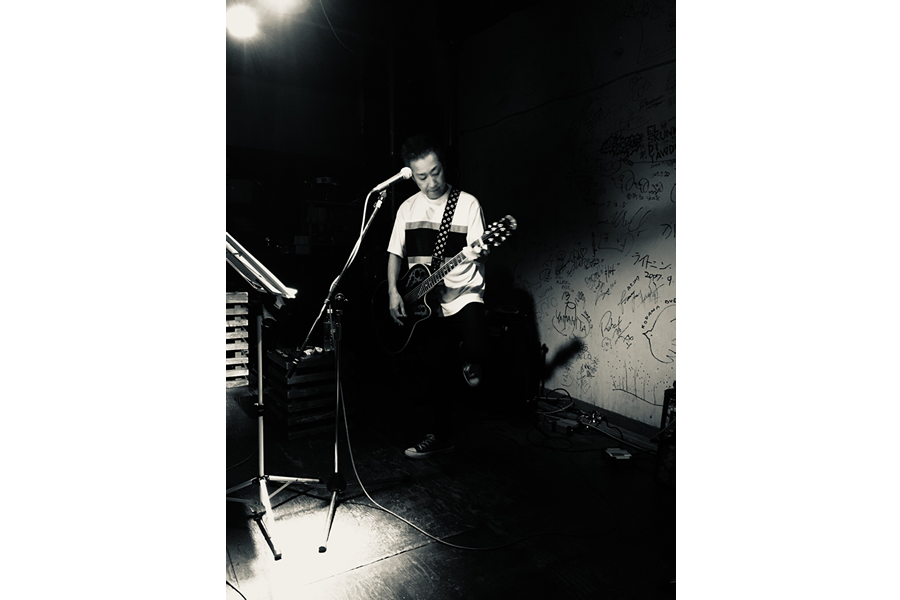 八田ケンヂが12月26日、デビュー35周年記念アルバム『時代がフザケテル』をリリース。Rock isにコメントを寄稿&全歌詞公開!